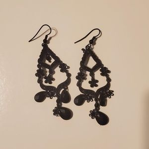 NWOT Hot Topic Black Chandelier Earrings